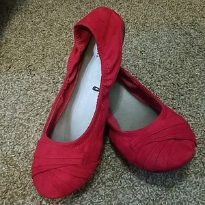 Red Round Toe Scrunchie Cato Flats